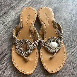 Skemo sandals